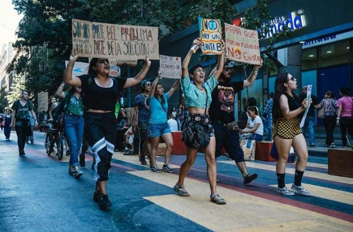 Huelga por el clima/ Primera manifestación planetaria de la humanidad