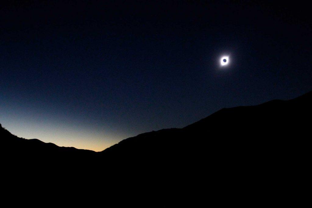La Totalidad: ¿Una estela de cambio que eclipsó el anillo de fuego?