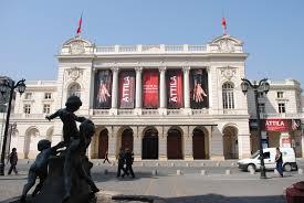 Teatro Municipal frontis