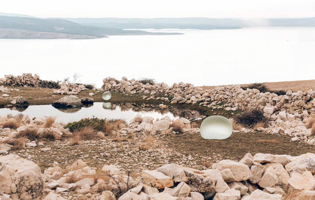 En Croacia: Dos gotas de vidrio que cayeron del cielo