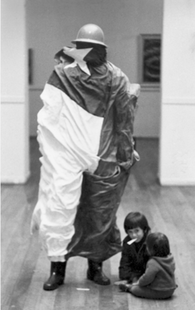 Nuevas piezas del puzzle: una revisión a la escultura chilena de los 60 y 70